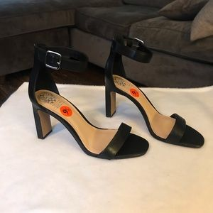 Vince Camuto black leather sandals 9.5